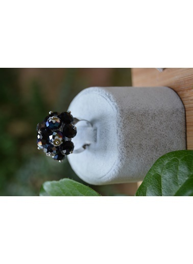 Stoneage El Yapımı Kristal Taşlı Ayarlanan Yüzük Siyah
